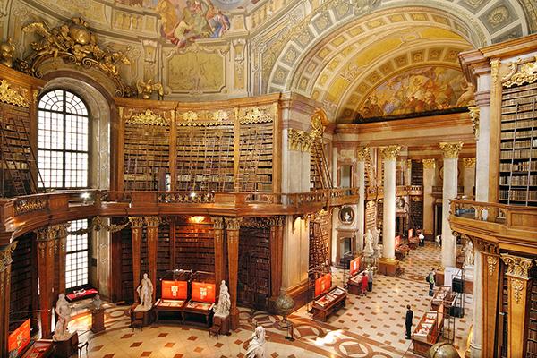BIB 01 عکس های بسیار زیبا از زیبا ترین کتابخانه های اروپا