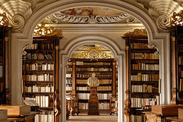 BIB 07 عکس های بسیار زیبا از زیبا ترین کتابخانه های اروپا