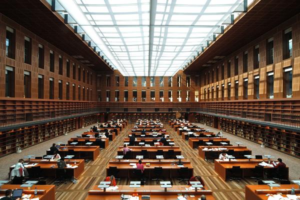 BIB 09 عکس های بسیار زیبا از زیبا ترین کتابخانه های اروپا