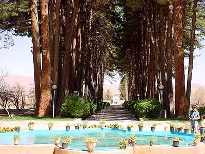 Iranian gardens - bagh-e Akbari-e