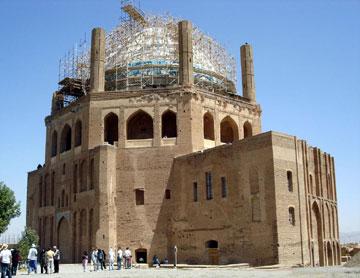 http://www.tarhefarda.com/images/aks/maghalat/soltaniye/01.jpg