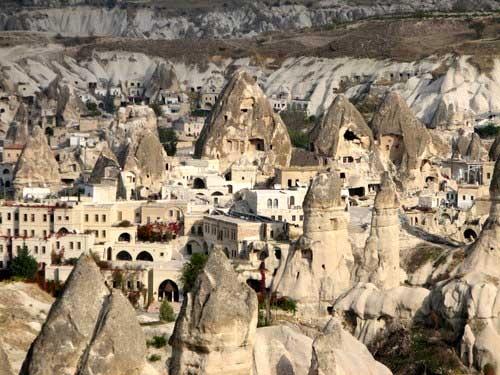 http://images.hamshahrionline.ir/images/2010/9/kandovan_2606-mm11.jpg