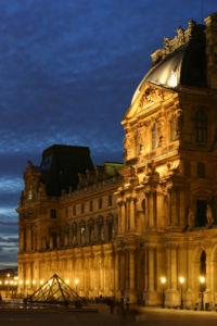 200px-Le_Louvre_-_Aile_Richelieu